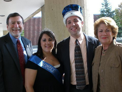 Dennis and Jan Hefner, with Homecoming King and Queen Chris Reybrouck and Kaylene Dunning in October 2007.